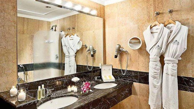 Халаты и тапочки для гостиниц